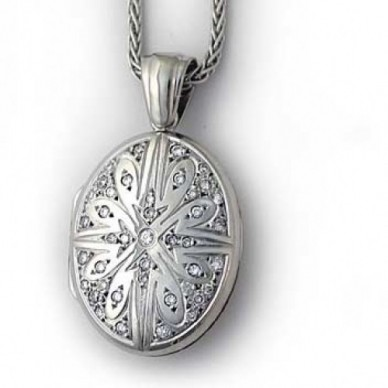 18k White Gold Victorian Diamond Oval Locket