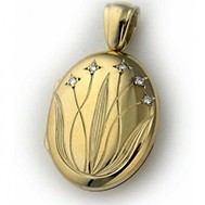 18K Yellow Gold Diamond Floral Locket